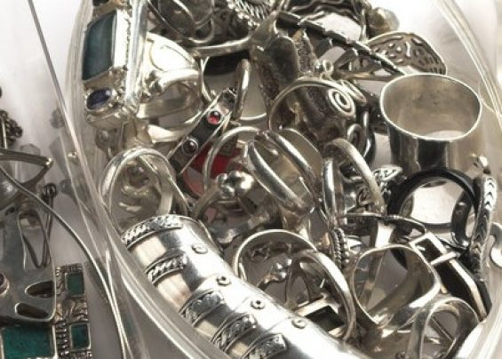 where-to-sell-silver-jewelry-800x288